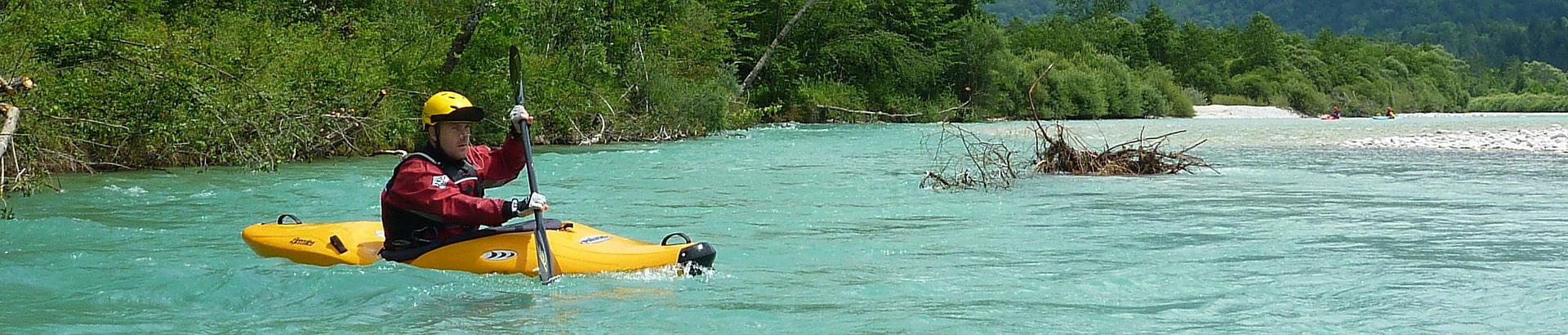 Kajak Wildwasserfahren Wildwassertechnik Ausrüstung Training Kanu