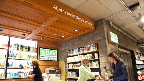 am marienplatz alpenverein servicestelle m nchen beratung ausr stung bibliothek alpenverein. Black Bedroom Furniture Sets. Home Design Ideas