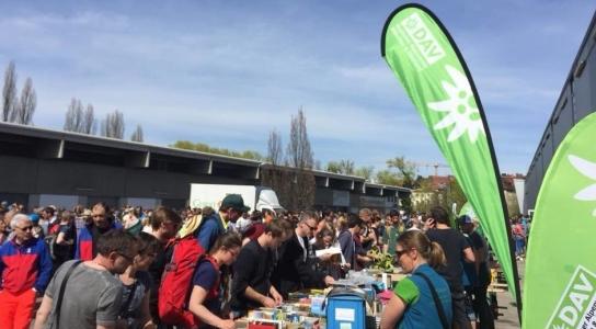Kletterausrüstung München : Flohmarkt alpin alpenverein mitglieder sektionen münchen